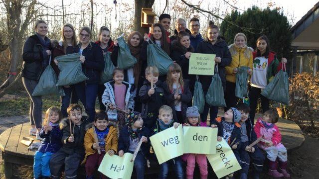 Kinder der KITA Löwenzahn und Schülerinnen und Schüler des PJK1 der EFG